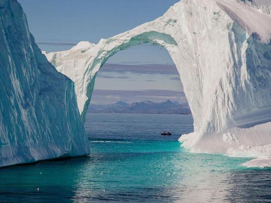 Grönland'daki dev buzdağı