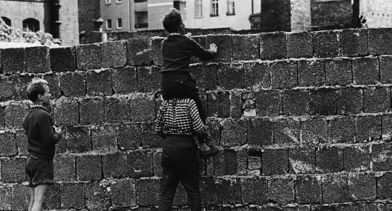 13 Ağustos Tarihte Bugün: Berlin Duvarı'nın yapımına başlandı