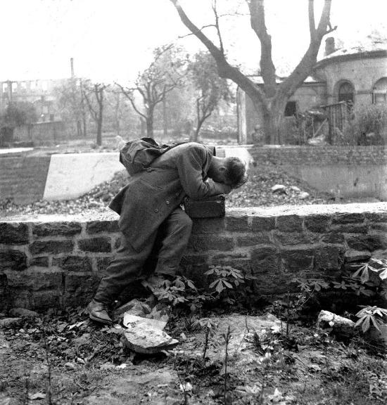 Evine dönüp ailesini bulamayan asker, 1947 yılı