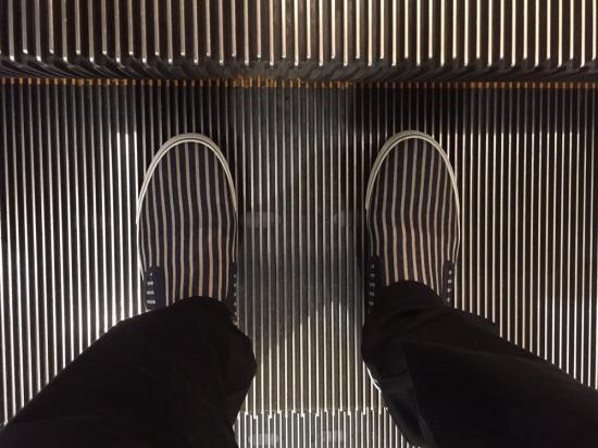Son yürüyen merdiven bükücü
