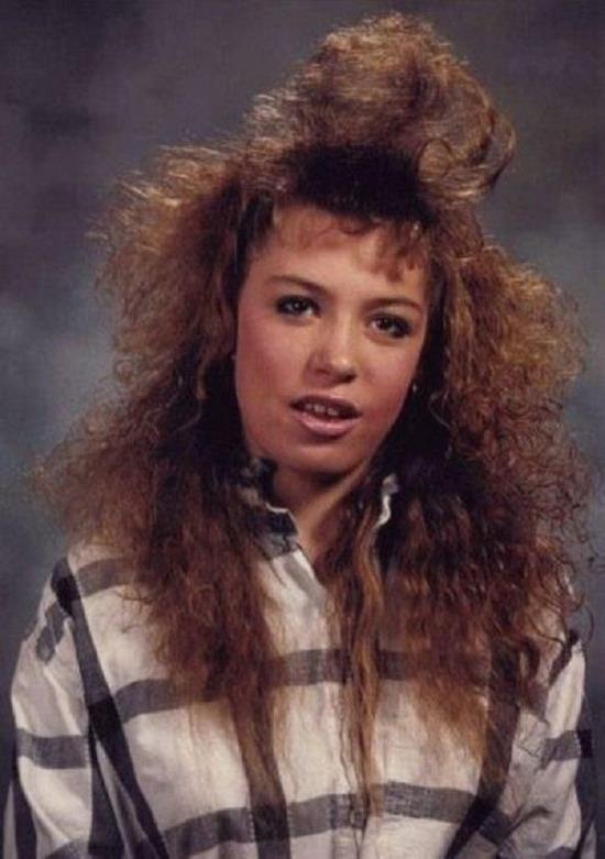 90'lar kadınlarının ilginç saç şekilleri