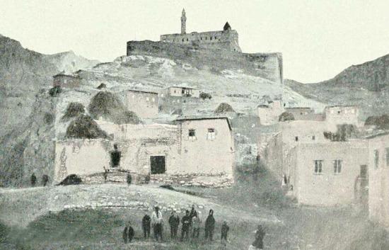 Abdigor Mahallesi, Doğubeyazıt İshak Paşa Sarayı. Ağrı 1890