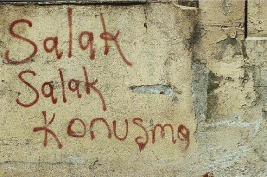 Her boş duvara yazılması gereken söz