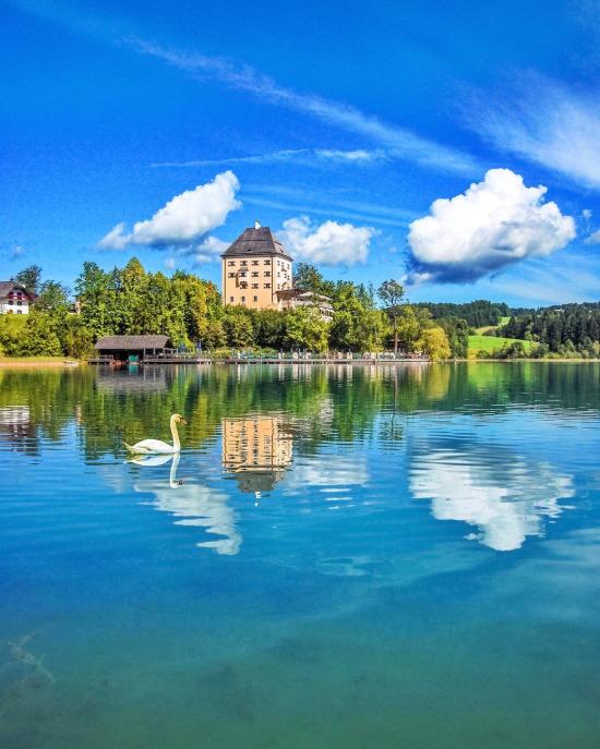 Salzburg yakınlarında muazzam bir tatil köyü