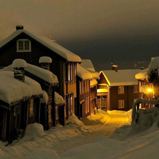 Karlı bir gece... Røros, Norveç
