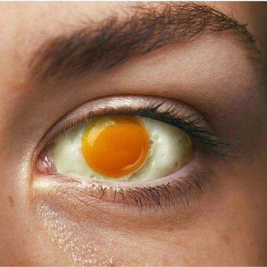 Anneler sahurda tok tutar diye zorla yumurta yedirmeye devam ediyor