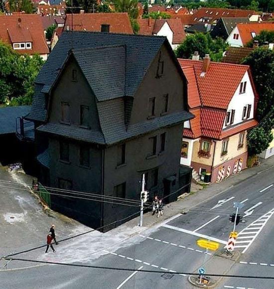 Almanya Schwarz'daki Siyah Ev