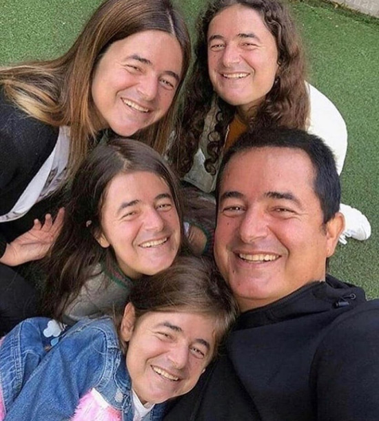 Biz 5 kişiyiz kardeş!