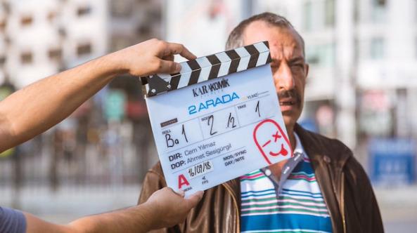 Cem Yılmaz Karakomik Filmler serisinde canlandırdığı karakterin afişini yayınladı