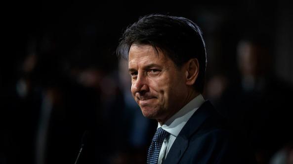 İtalya Başbakanı istifasını açıkladı