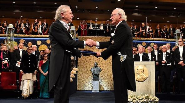 Peter Handke Nobel Ödülü'nü aldı: 'Soykırım ödüllendirildi'