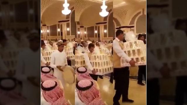 Suudi Arabistan'daki düğünde davetlilere iPhone 8 dağıtıldı!