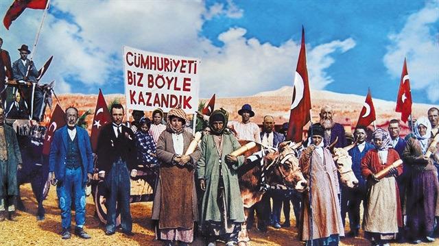 Dünden bugüne Cumhuriyet Bayramı kutlamalarını yansıtan nostaljik fotoğraflar