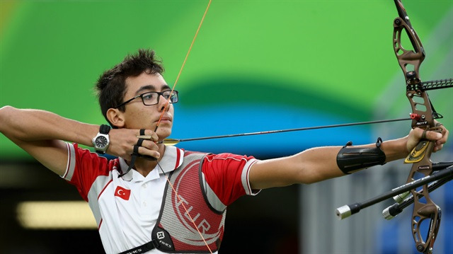 Genç sporcu Mete Gazoz dünya ikincisi oldu