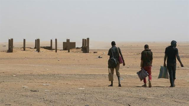 Sahra Çölü'nde ölüm yürüyüşü
