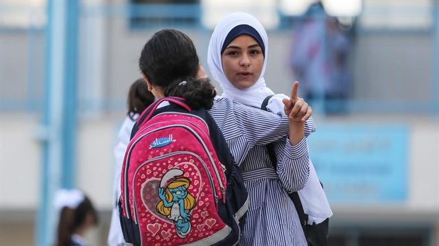 Gazzeli öğrenciler için ilk ders zili çaldı