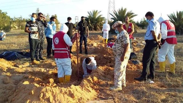 Libya'da toplu mezardan 100 ceset çıkarıldı