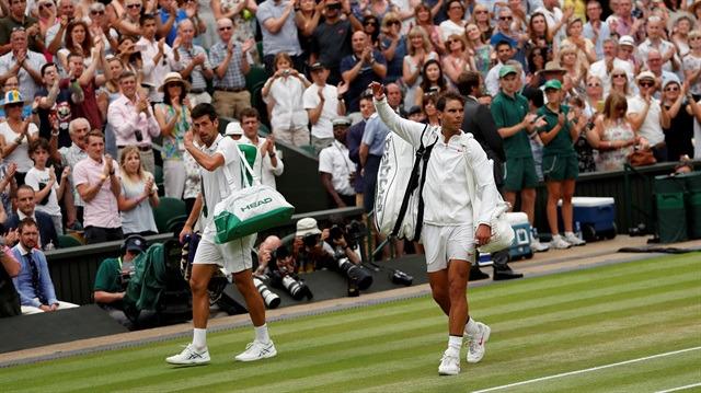 Nadal'dan örnek davranış