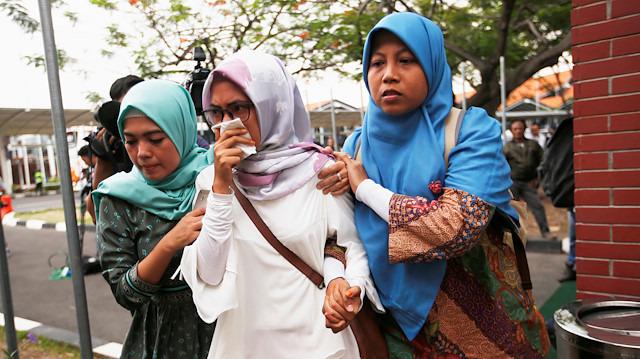 Endonezya, şimdi de uçak kazasına ağlıyor