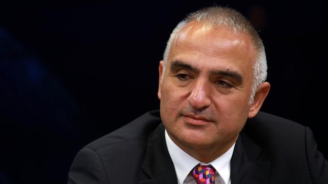 Bakan Ersoy: Tiyatroda hedef 2 milyon seyirci
