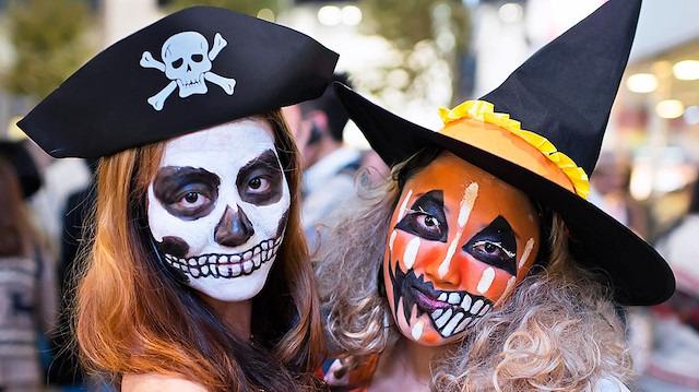 'Halloween' tehlikesi: Gençleri korkuyla zehirliyor