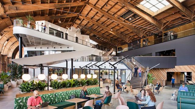 Tarihi hangar artık Google Ofis'i olarak kullanılacak