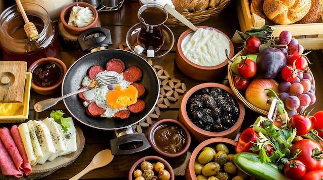 Sağlıklı bir pazar kahvaltısında olması gereken 8 besin