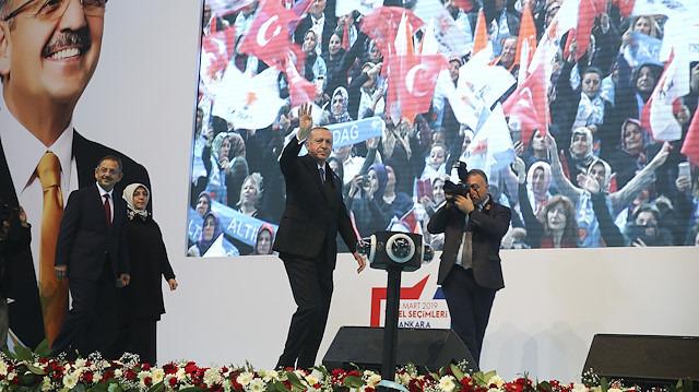 Cumhurbaşkanı Erdoğan, AK Parti'nin Ankara ilçe adaylarını açıkladı