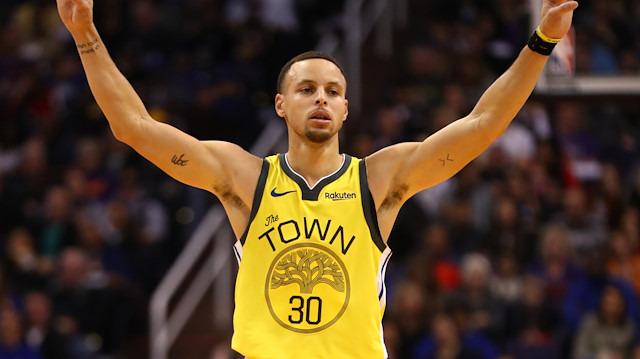 Yıldızlarının coştuğu maçta Warriors farklı kazandı