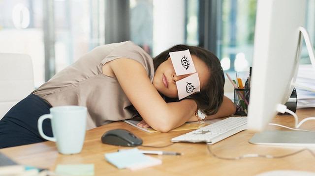 Yeni araştırmalar ışığında uyku yoksunluğu ve kaygı bozukluğu ilişkisi