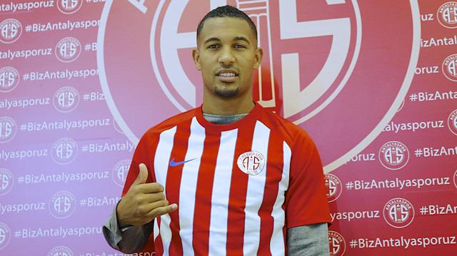 Antalyaspor'dan Monaco'ya kiralandı