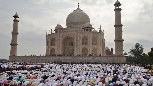 Hindistan'da din ayrıcalıklı vatandaşlık yasası
