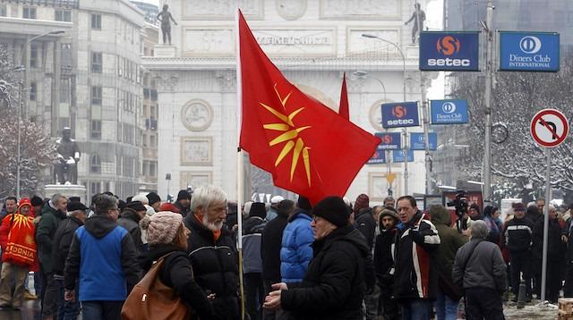 Yunanistan istedi, Makedonya'nın ismi değişti