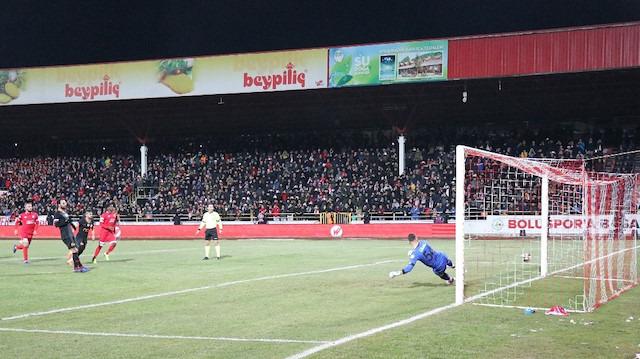 Galatasaray maçında tartışmalı penaltı