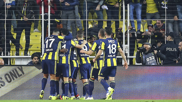Fenerbahçe Zenit'i konuk ediyor