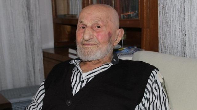 95 yaşındaki yaşlıyı acımasızca dövdüler