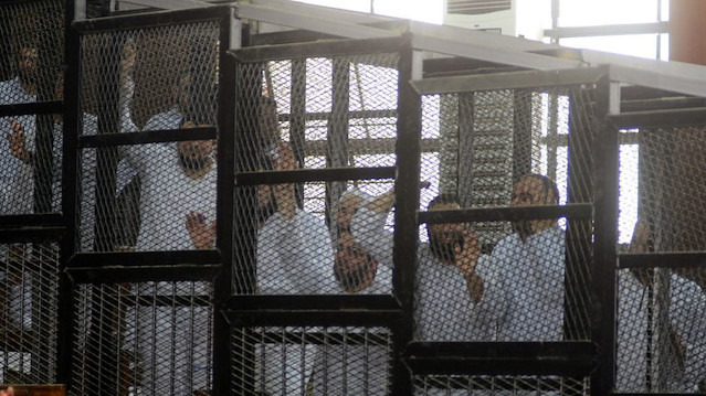 Mısır mahkemelerinde değişen bir şey yok
