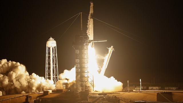 SpaceX'in NASA için geliştirdiği 'Crew Dragon' uzayda