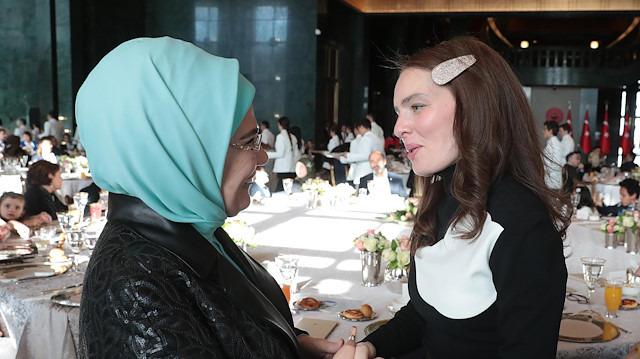 Emine Erdoğan'ın davetine Nil Karaibrahimgil'in 'hikayesi' damga vurdu