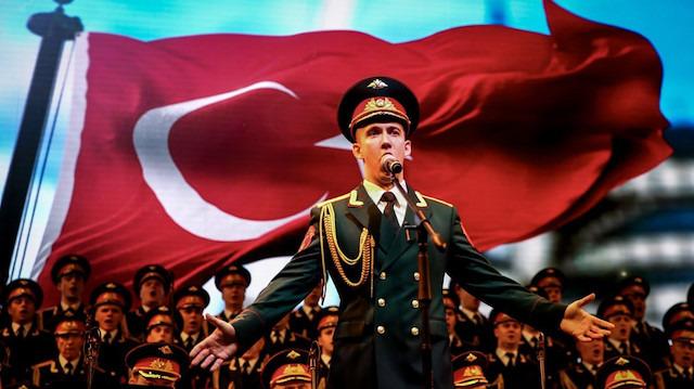 Rus Kızılordu Korosu Türkiye'de