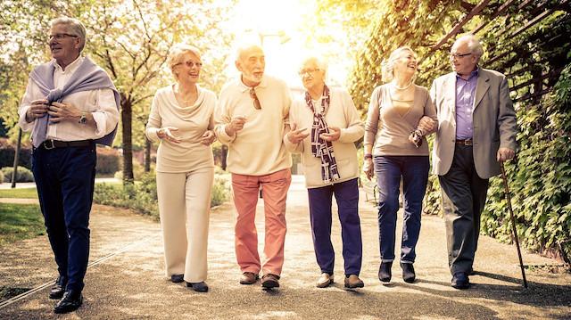 Türk toplumu giderek yaşlanıyor: 5 yılda %16 artış