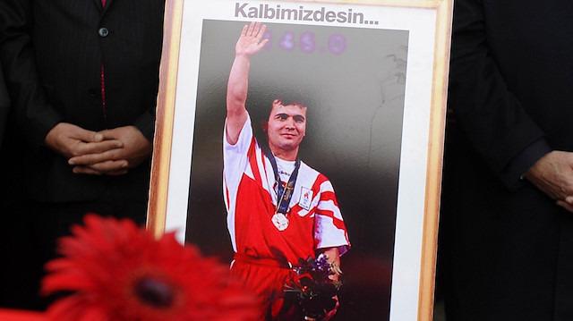 Naim Süleymanoğlu'nun hayatını anlatan filmden ilk fragman geldi