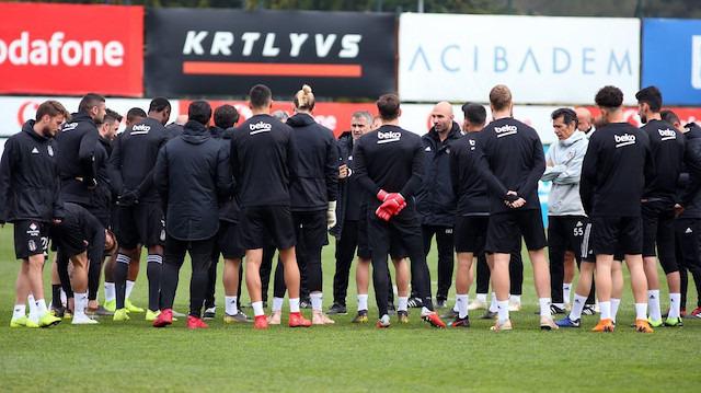 Beşiktaş, Rize'ye iki eksikle gitti