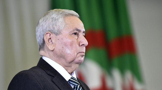 Cezayir'de geçici cumhurbaşkanı bin Salih