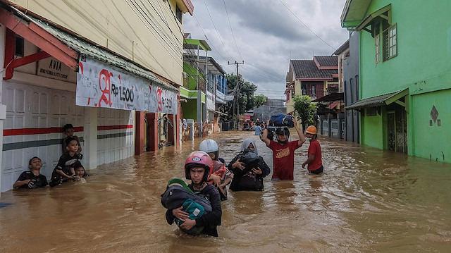 Endonezya'da selden 24 bin kişi etkilendi