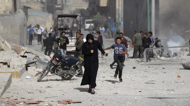 Suriye'de rejimin İdlib'e saldırıları sürüyor