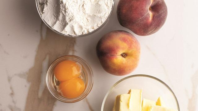 Günün tatlısı: Kayısılı fıstıklı yoğurtlu kek