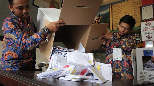 Endonezya'da seçim 500 kişinin ölümüne yol açtı