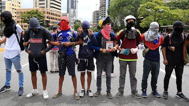 Guaido yenilgiye doymuyor: Venezuelalı muhalifleri tekrar sokağa çağırdı