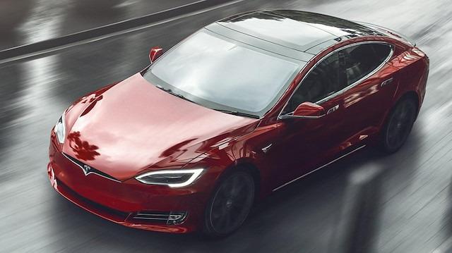 Tesla, Model S ve Model X'teki yangınlar sonrasında batarya güncellemesi yayınladı
